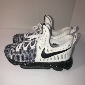 sports shoes 9bcc7 8e59d Nike Shoes - Nike Zoom KD 9 GS OREO Durant Bball Shoes Sz 5Y